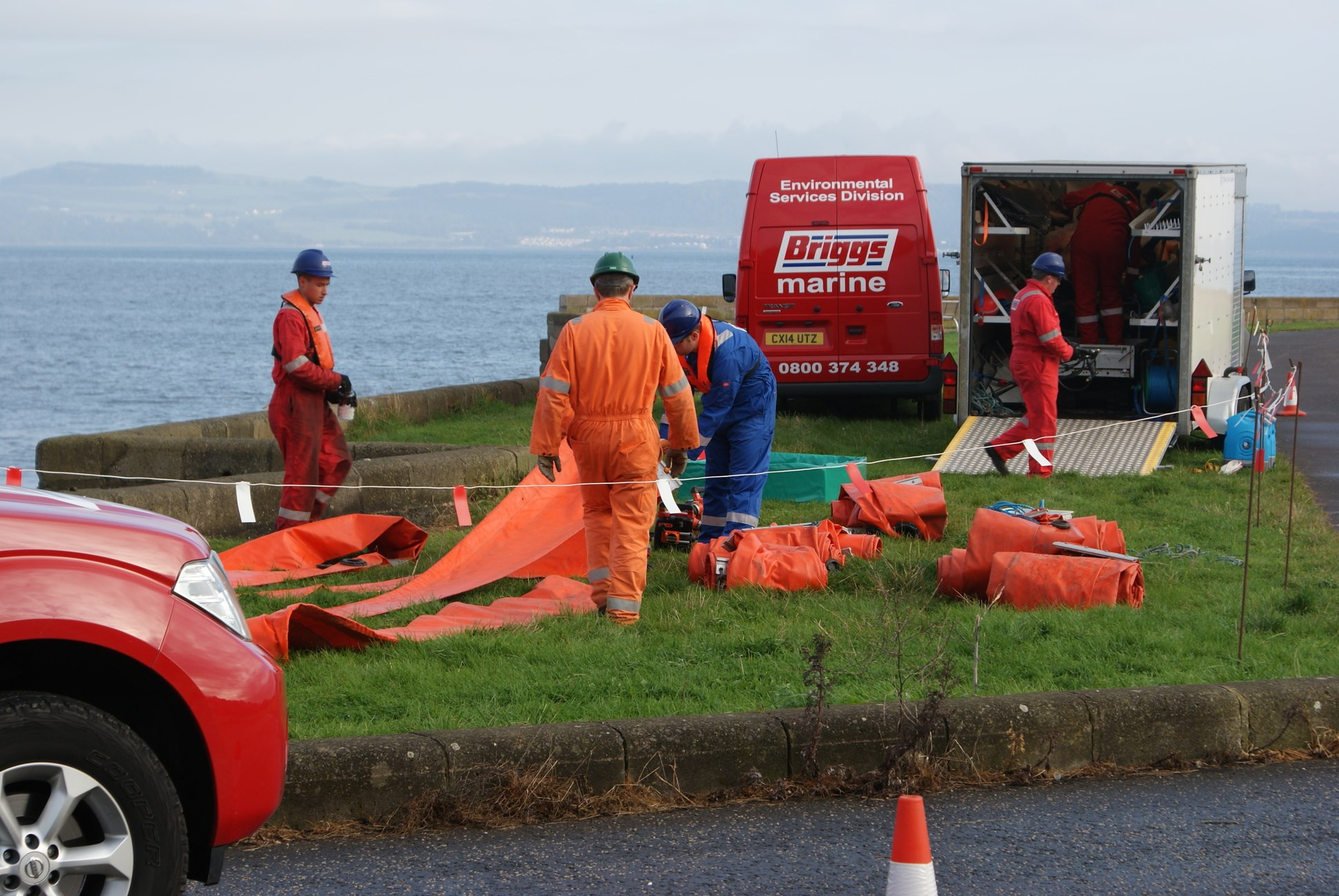 Environmental Oil Spill Response training exercise (1)
